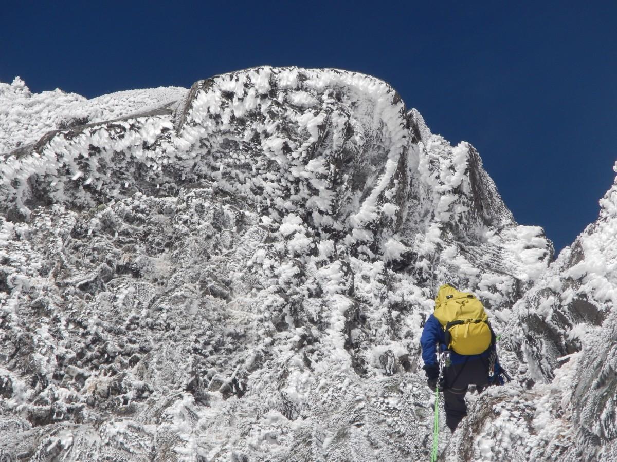 南八ヶ岳雪稜縦走