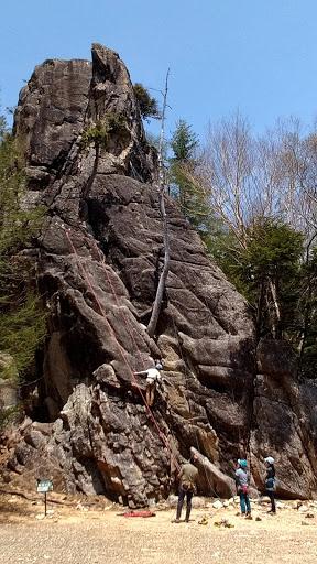 3フェニックスの大岩
