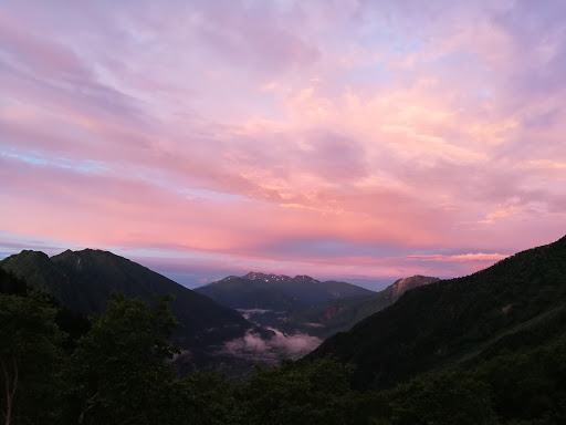 岳沢小屋朝焼け